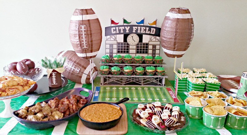 How-To-Plan-An-Easy-Football-Party.Get-all-the-details-at-intelligent-domestications.com_