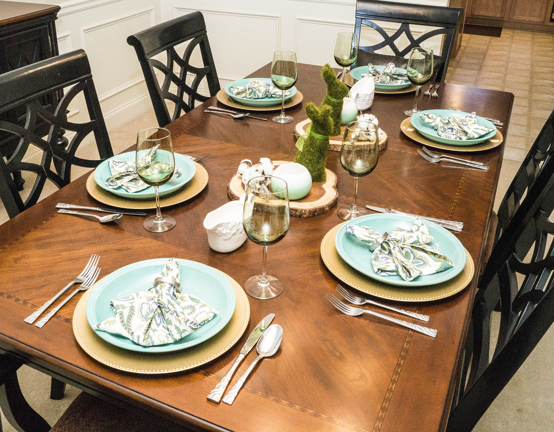 2017 Spring Home Tour - Formal Living Room Tablescape - www.stage-presents.com